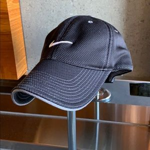 Adjustable breathable Black Nike cap